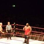 Mark Henry showing of to Big show